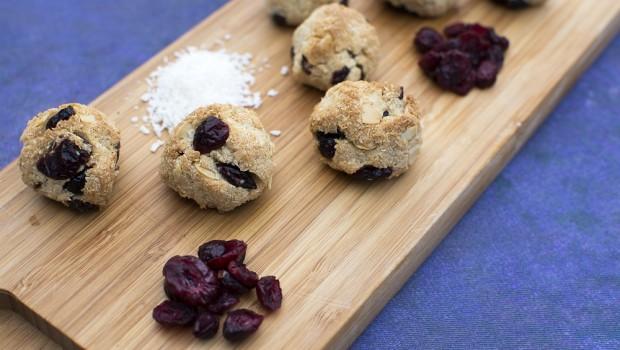 Kokosiniai sausainai su spanguolemis Arimex