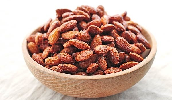 honey-cinnamon-roasted-almonds-4new