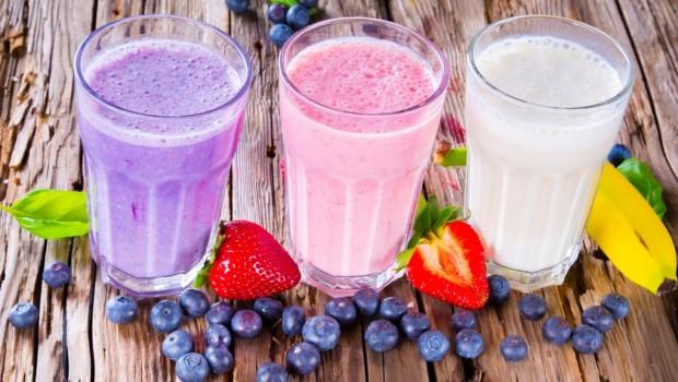 sveiki pusryciai su riesutais ir dziovintais vaisiais